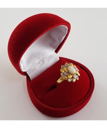Złoty pierścionek z opalem i diamentami, (próba 585), rozmiar 18,5