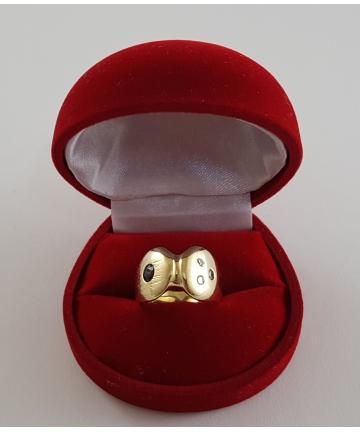 Złoty pierścionek z szafirem oraz brylantami, rozmiar 12