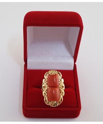Złoty pierścionek zdobiony naturalnymi koralami w stylu ORNO z lat 60-tych XX wieku, rozmiar 16