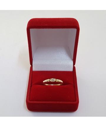 Złoty pierścionek zdobiony diamentem, rozmiar 13