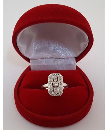 Złoty pierścionek Art deco z brylantem oraz diamentami, rozmiar 15