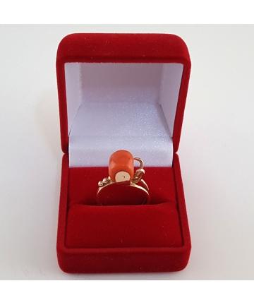 Złoty pierścionek (próba 56) zdobiony naturalnym koralem - Carska Rosja