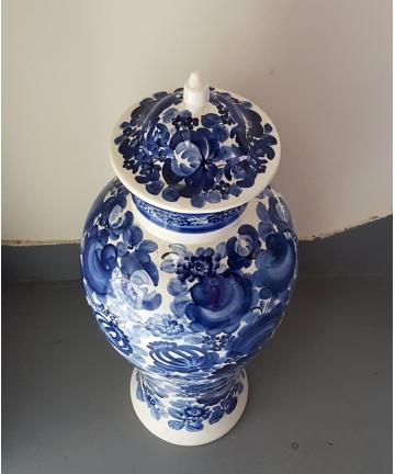 Porcelanowa amfora, sygnowana Włocławek 8027