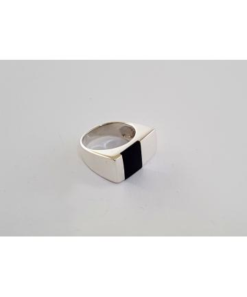 Srebrny sygnet zdobiony onyksem, rozmiar 13