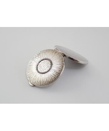 Srebrna puderniczka - Imago Artis z lat 70-tych XX wieku