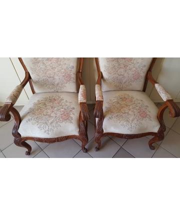 Dwa fotele w stylu Ludwika Filipa z XIX wieku