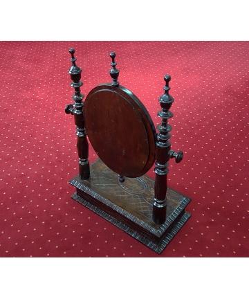 Lustro w drewnianej rzeźbionej obudowie z szufladą z XIX wieku