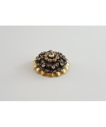 Złota broszka w typie FABERGE zdobiona brylantami oraz diamentami łącznie 4 ct z około 1900 roku