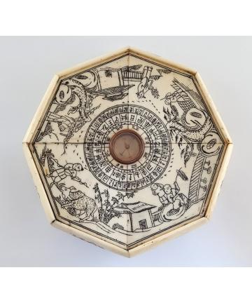 Kompas do Feng Shui z kości...