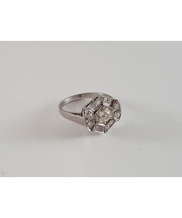 Platynowy pierścionek...