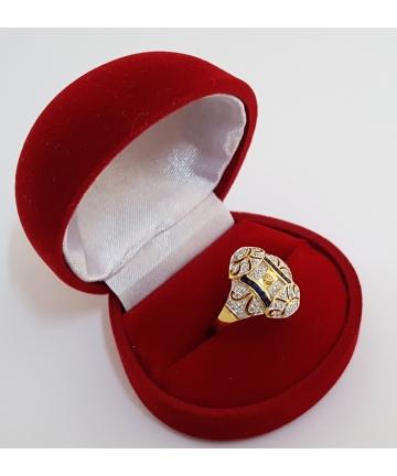 Złoty pierścionek zdobiony diamentami - próba 750